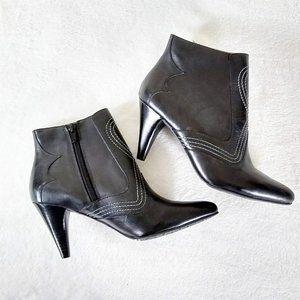 Reba Blaze Heeled Ankle Boot Black Western